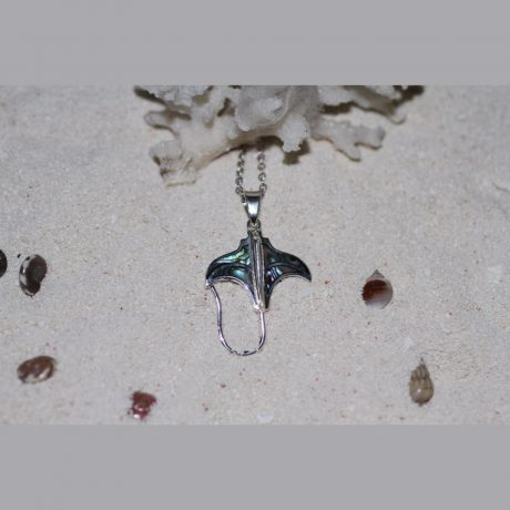 silver pendants (3)